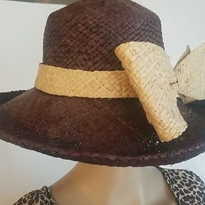 ADORABLE STRAW HAT....NWT